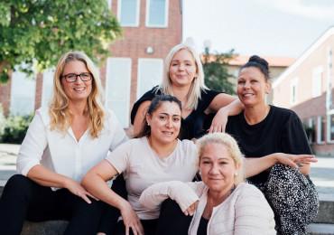 adonis-soeker-timanstaellda-underskoeterska-till-vaara-tighta-team-runt-om-i-stockholm
